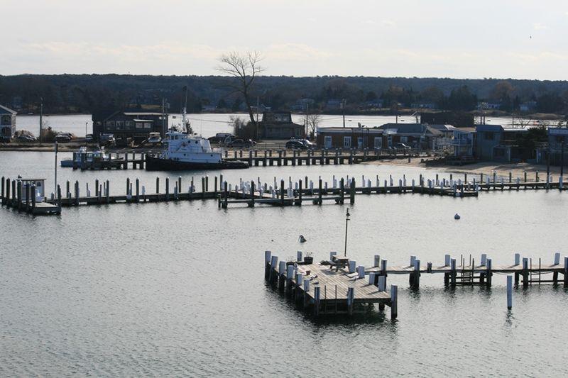 2empty docks