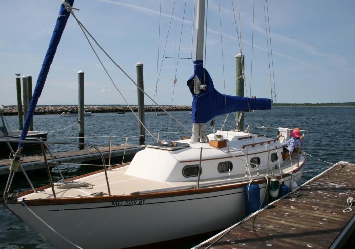 H floating dock