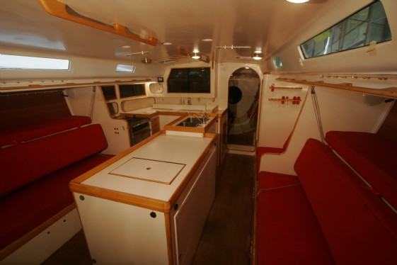 561x374_racing-sailboat-accommodations-and-layout-106032-_mg_0728