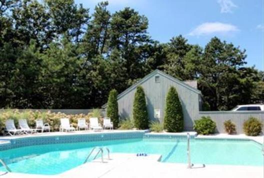 Hidden cove assoc pool