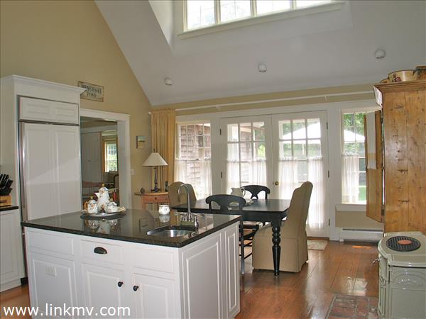 Dining room:kitchen vaulted ceiling