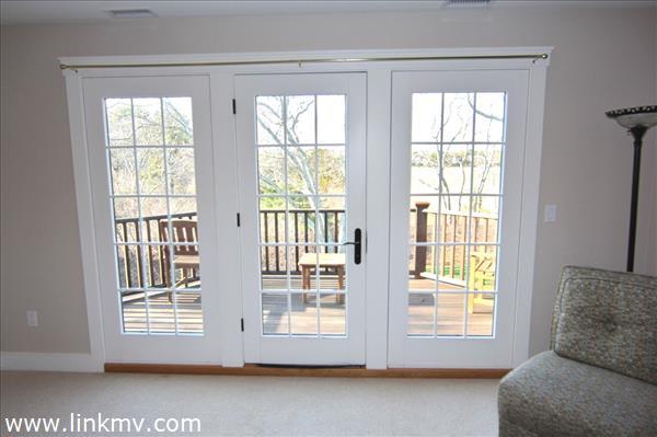 Bedroom 2 w deck